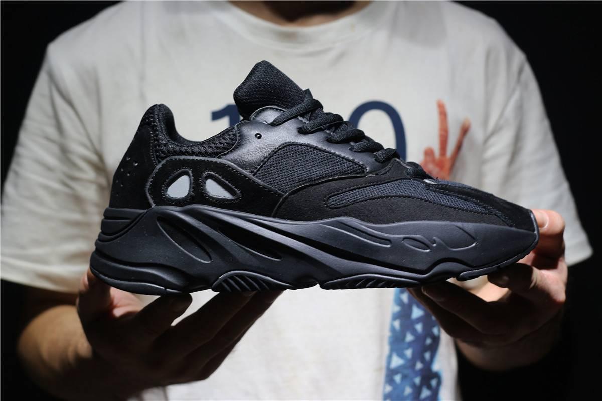 066396b2d Кроссовки Adidas Yeezy Boost 700 Black